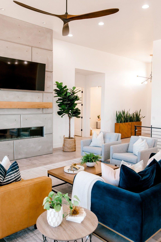 Beautiful Family Room Design Ideas 29