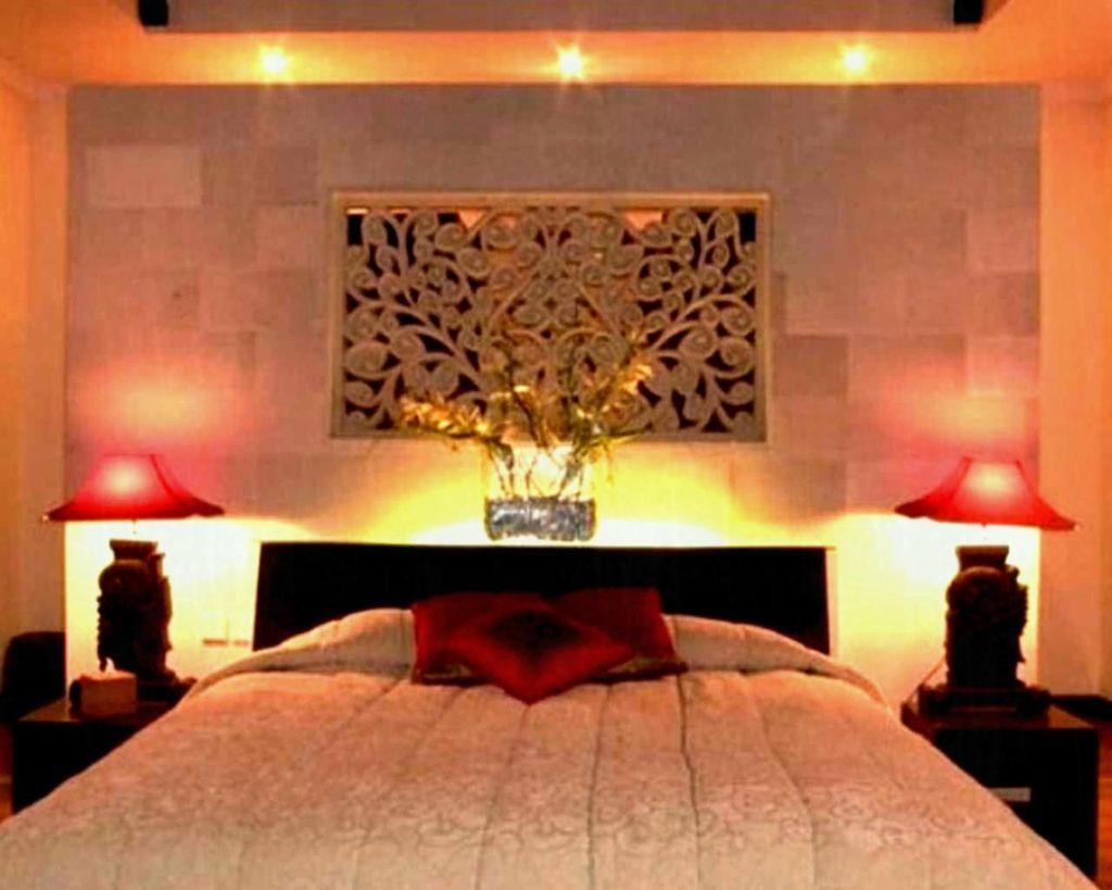 Beautiful Romantic Bedroom Lighting Ideas 09