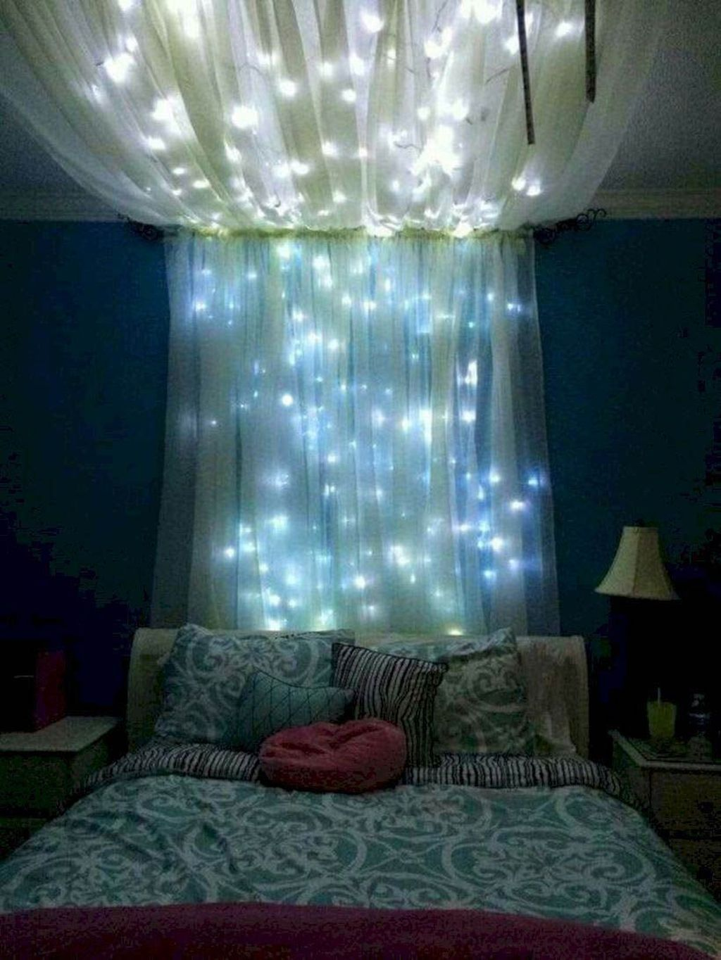 Beautiful Romantic Bedroom Lighting Ideas 13