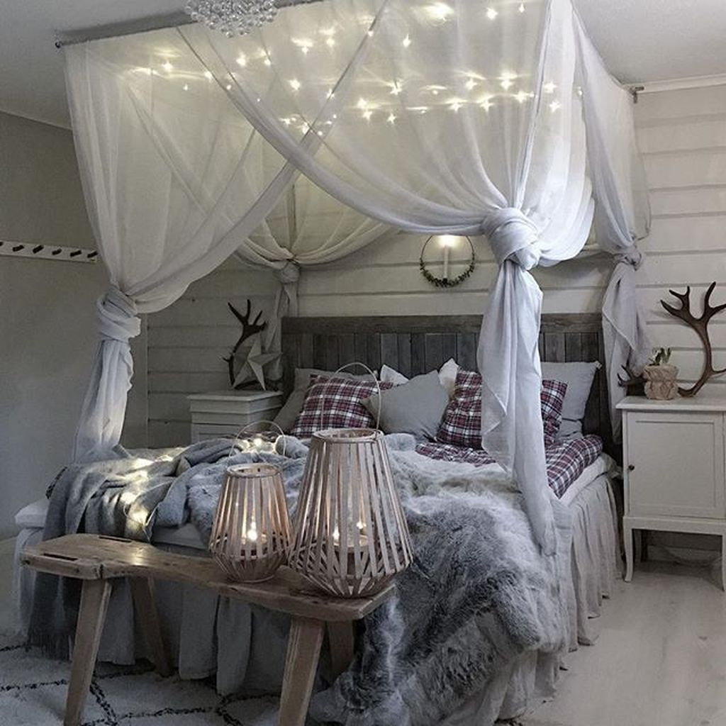 Beautiful Romantic Bedroom Lighting Ideas 29