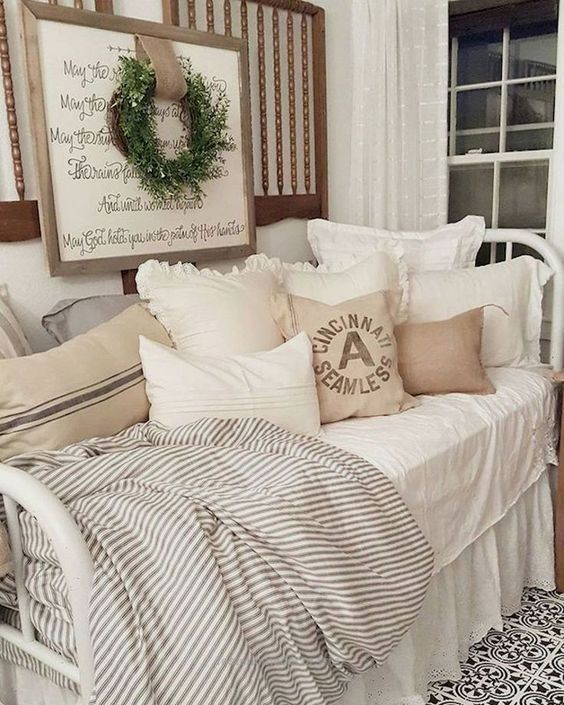 Fabulous Country Bedrooms Decorating Ideas 05