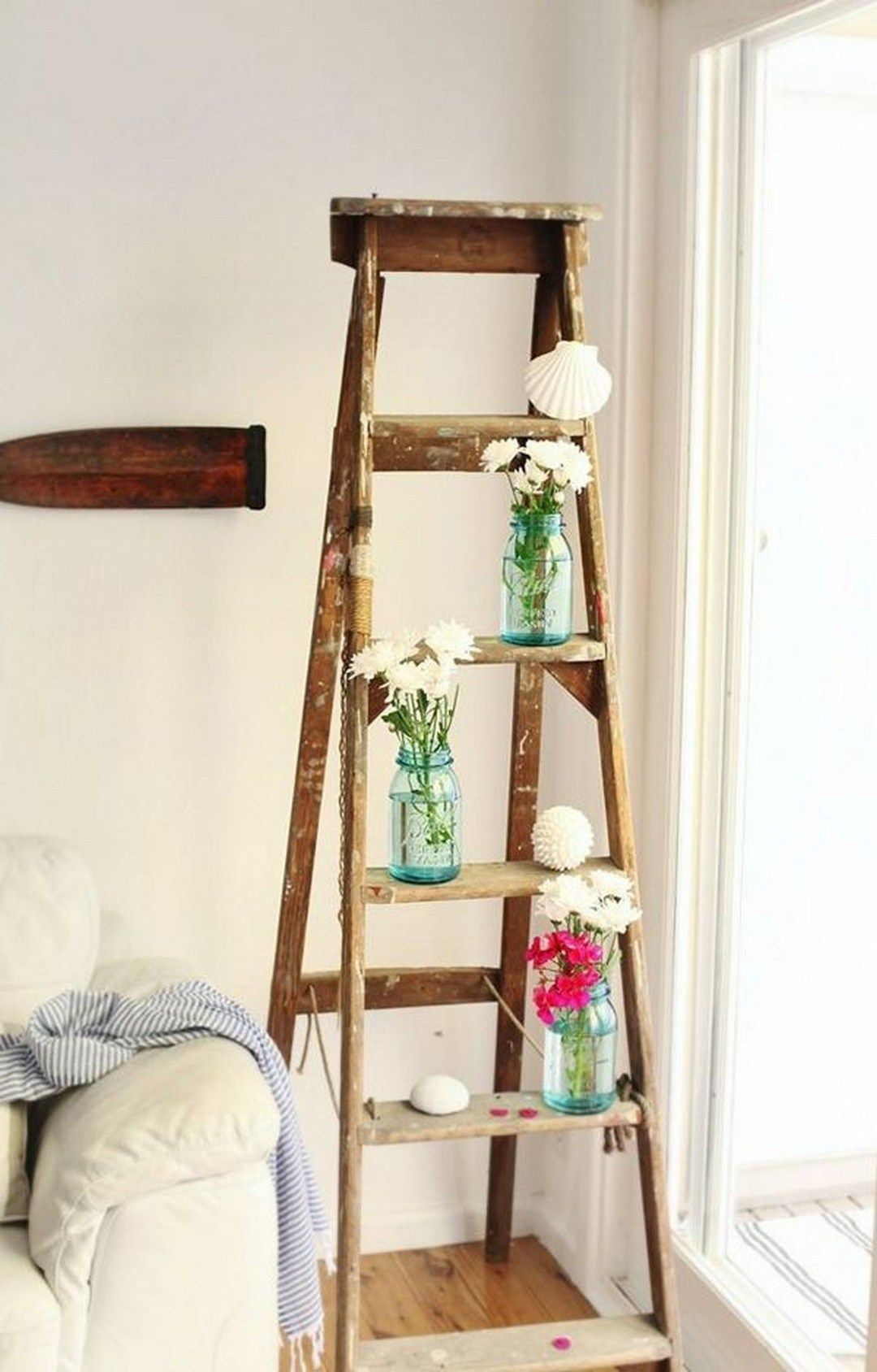 Gorgeous Vintage Ladder Decor Ideas 24