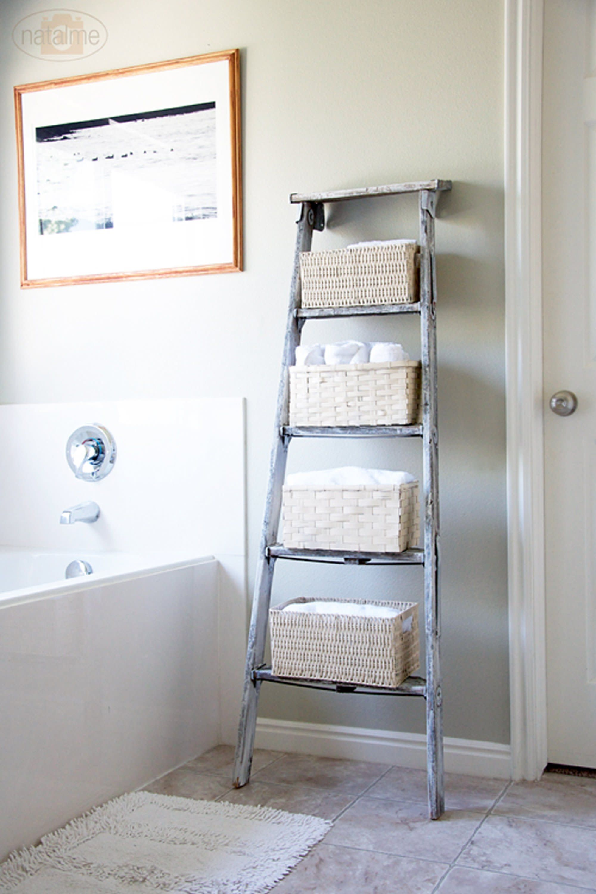 Gorgeous Vintage Ladder Decor Ideas 28