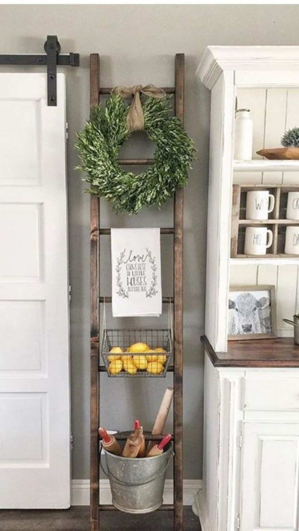 Inspiring DIY Farmhouse Home Decor Ideas 18