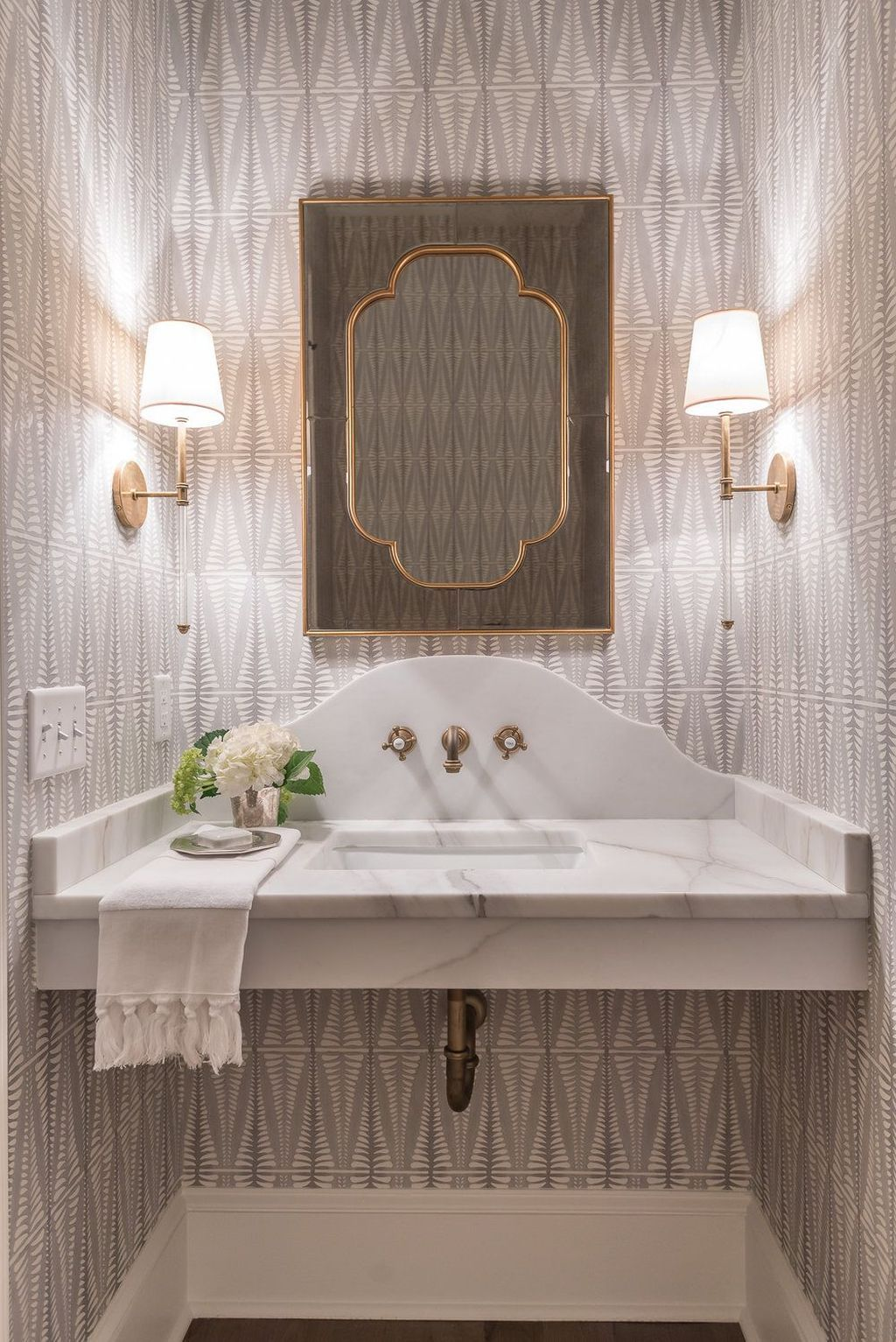 Lovely Classic Bathroom Design Ideas 13