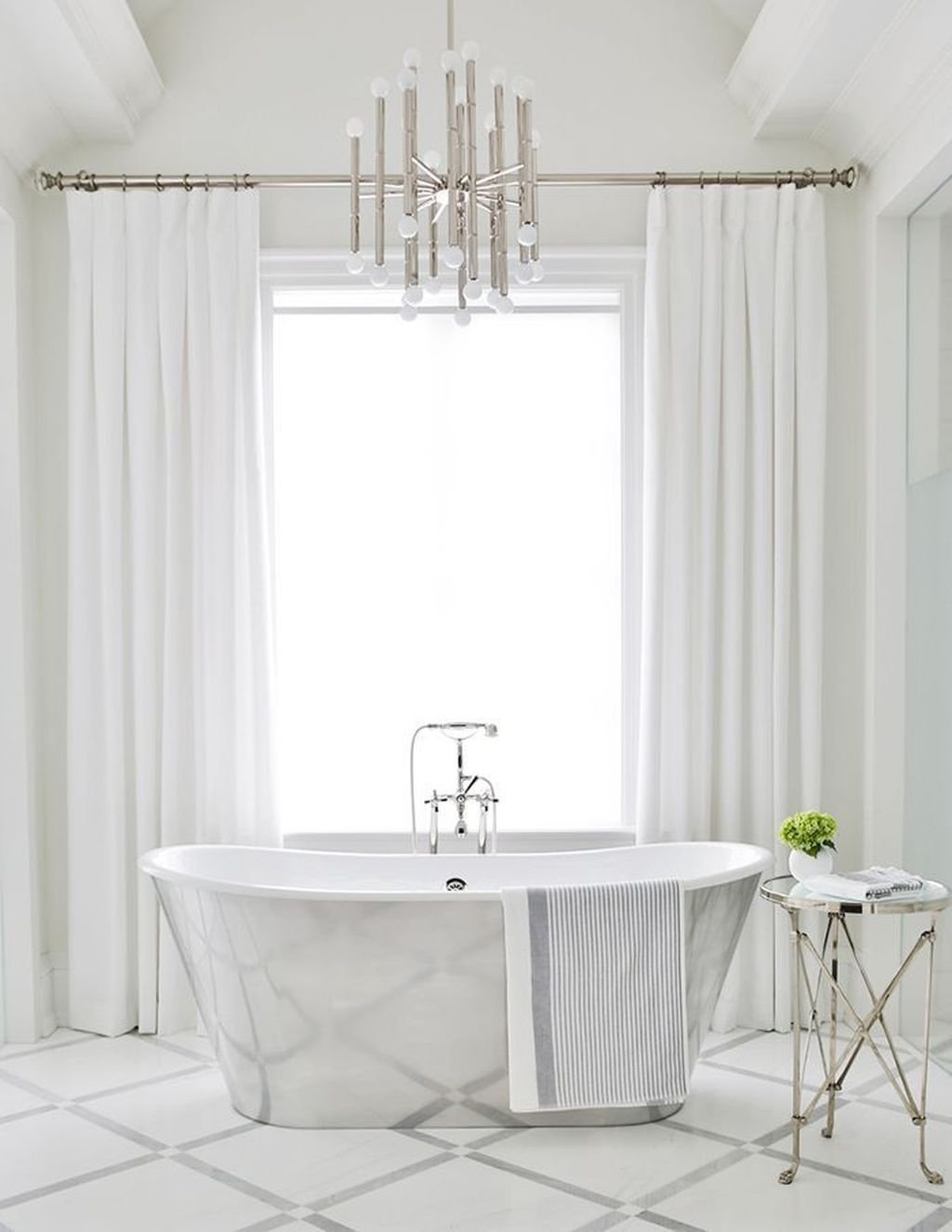 Lovely Classic Bathroom Design Ideas 22