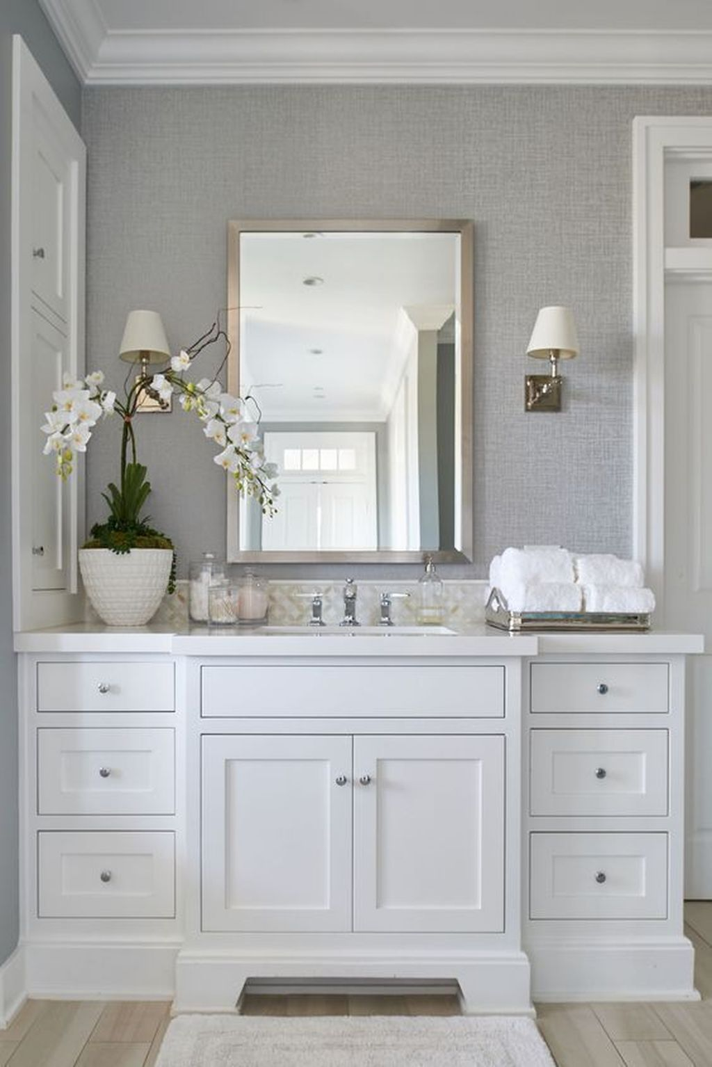 Lovely Classic Bathroom Design Ideas 26