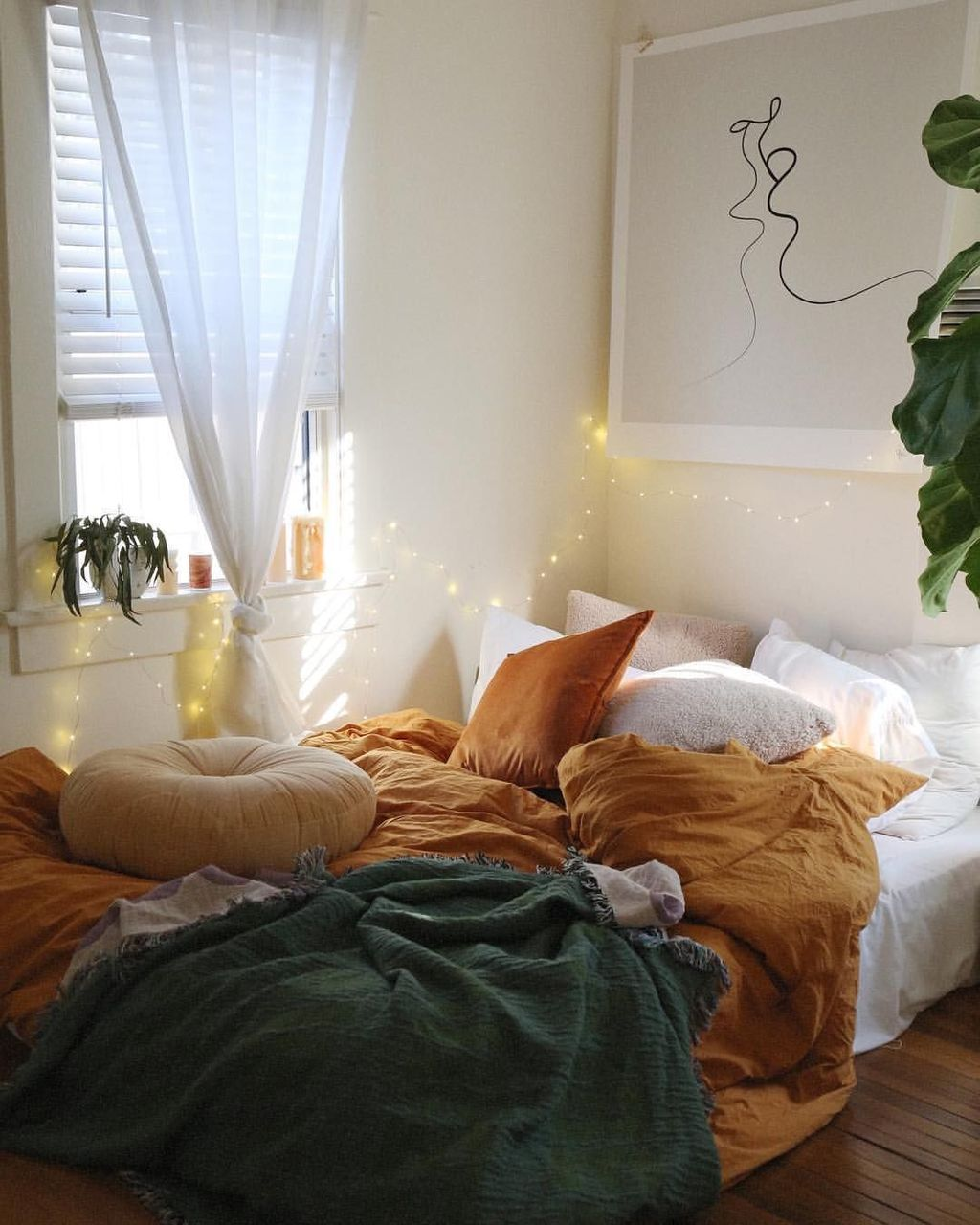 Lovely Fall Bedroom Decor Ideas That Will Popular This Year 38