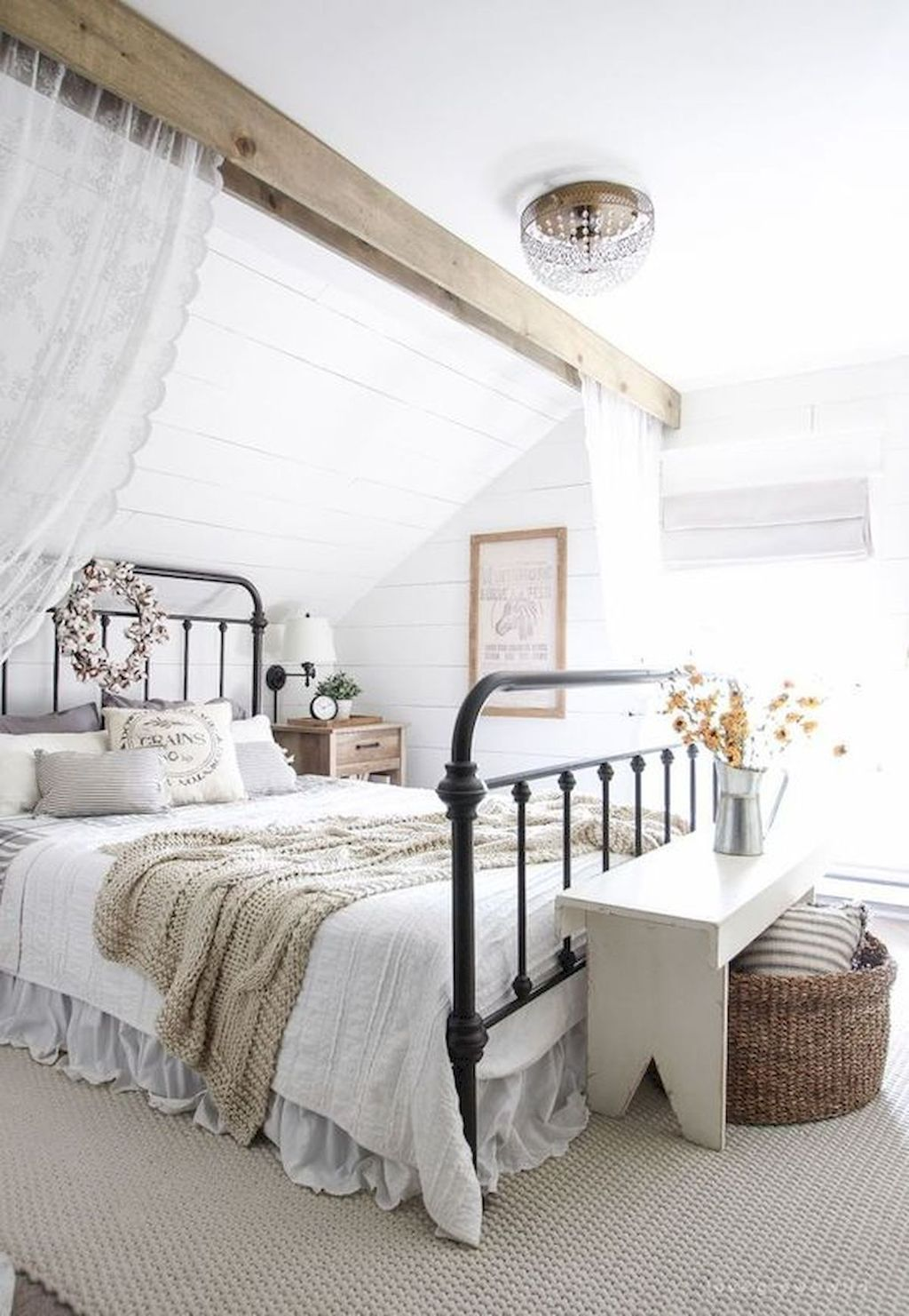 Lovely Fall Bedroom Decor Ideas That Will Popular This Year 40