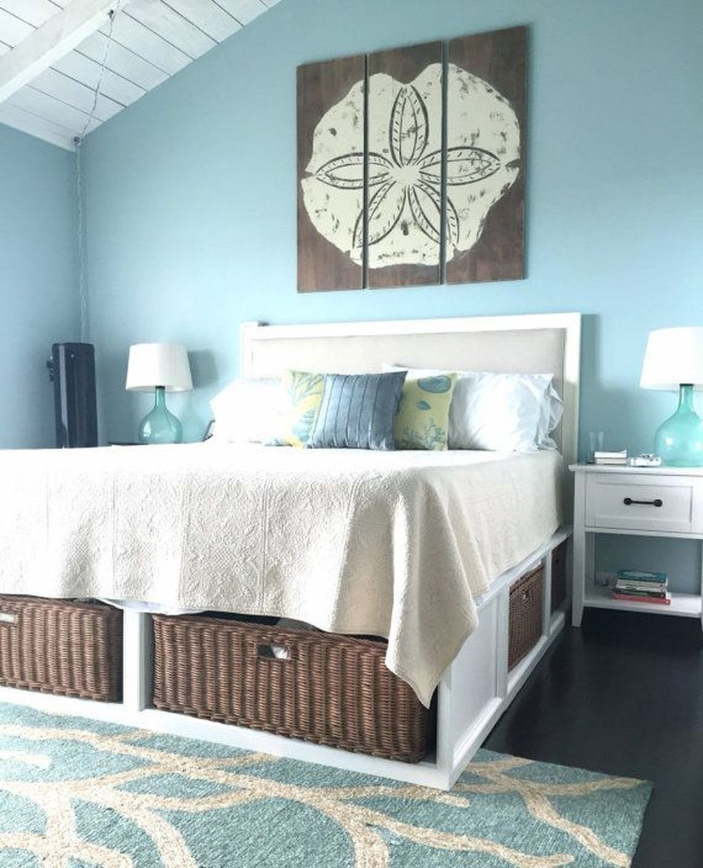 Lovely Lake Bedroom Decorating Ideas 06