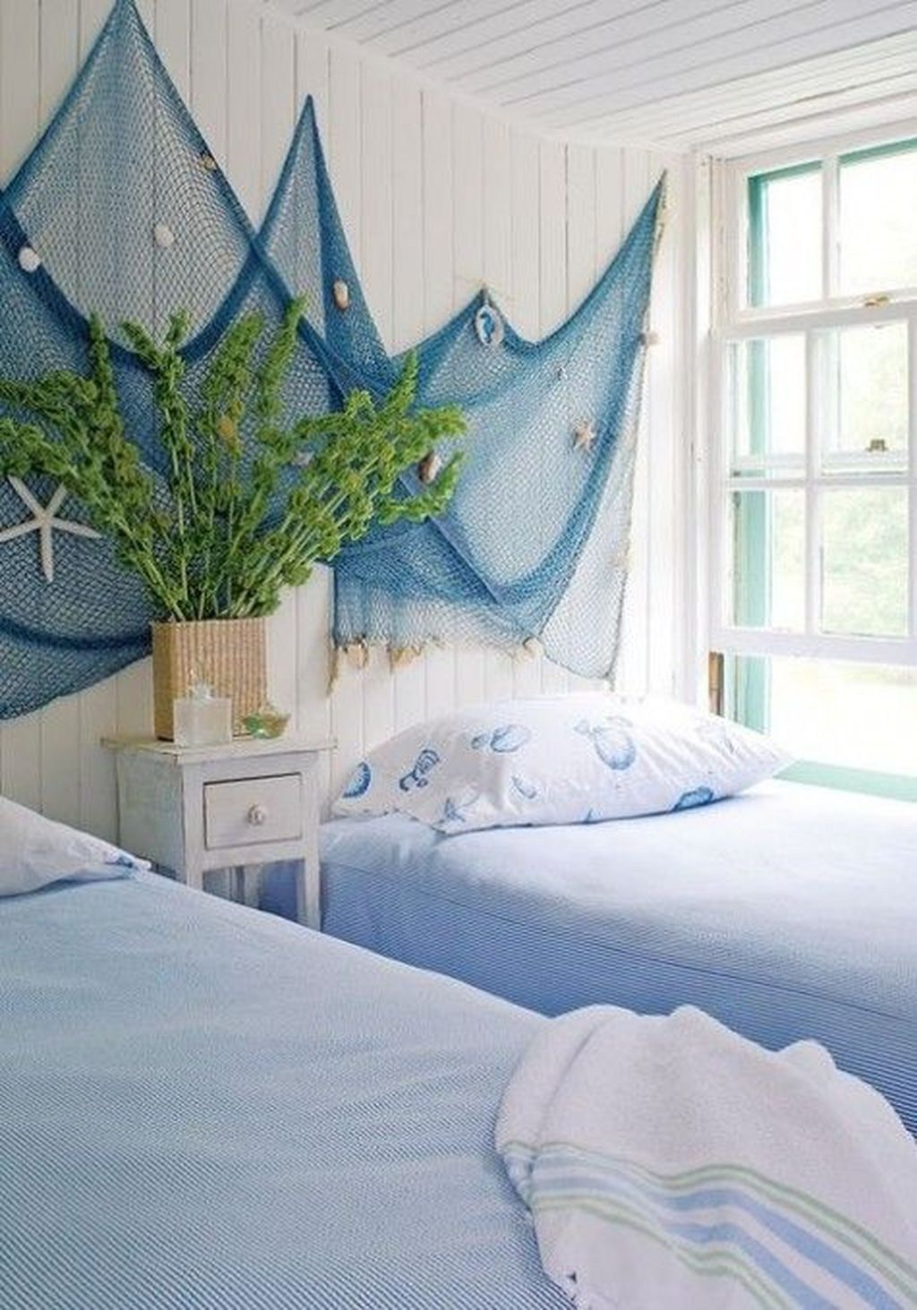 Lovely Lake Bedroom Decorating Ideas 11