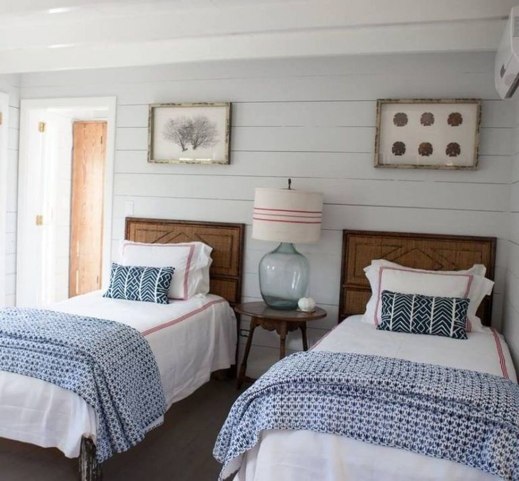 Lovely Lake Bedroom Decorating Ideas 30