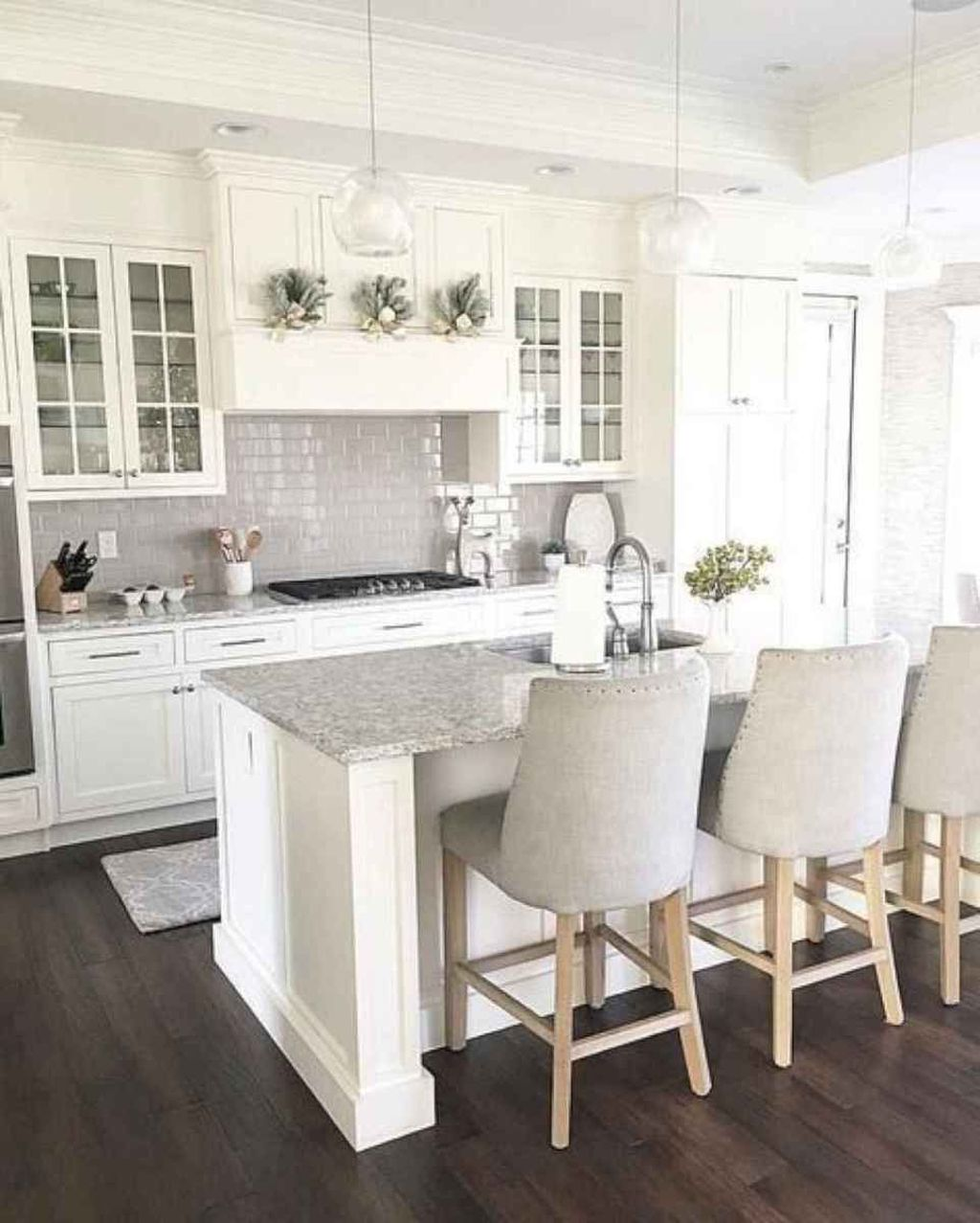 Popular White Kitchen Design Ideas 01