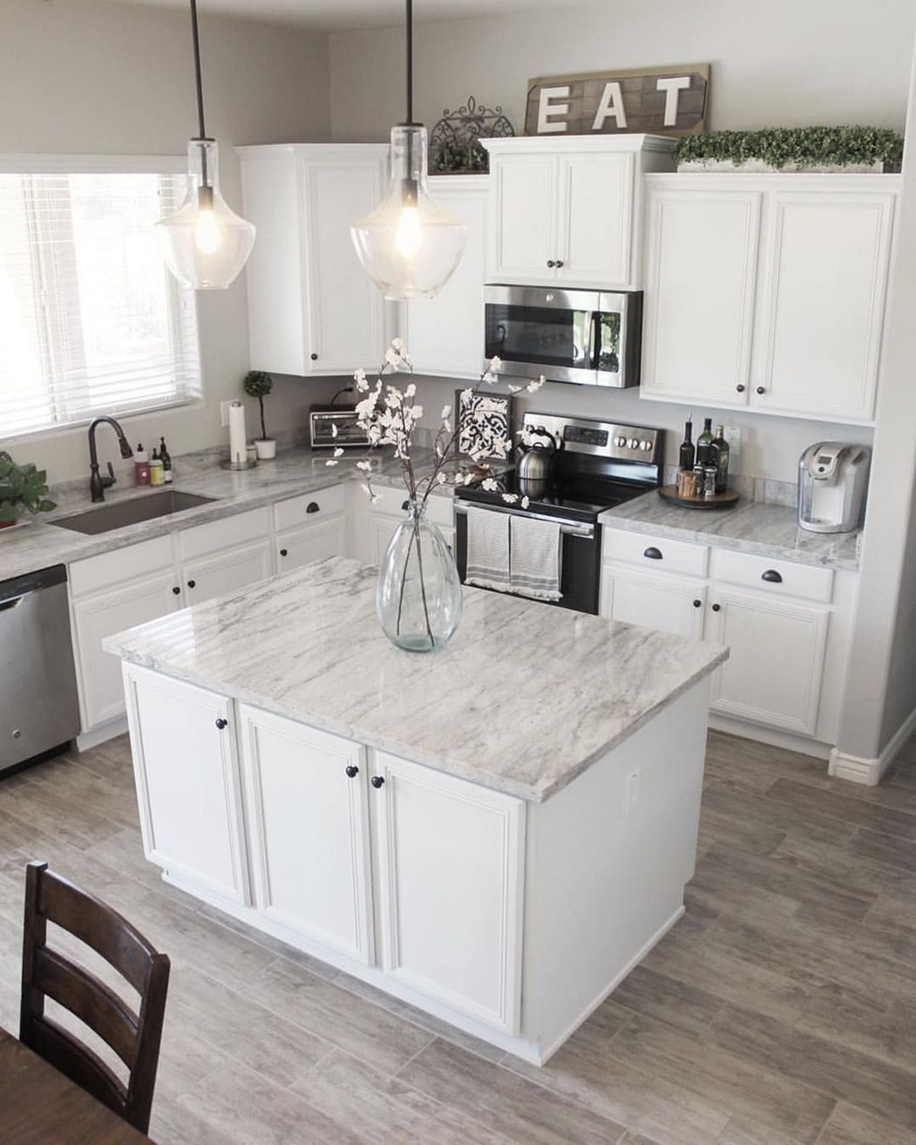 Popular White Kitchen Design Ideas 26