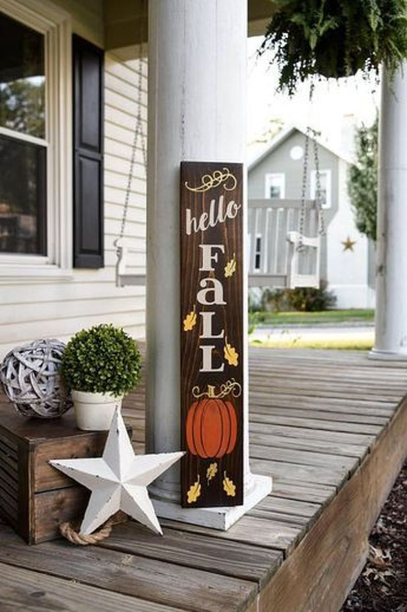 Simple Fall Porch Decorating Ideas 04