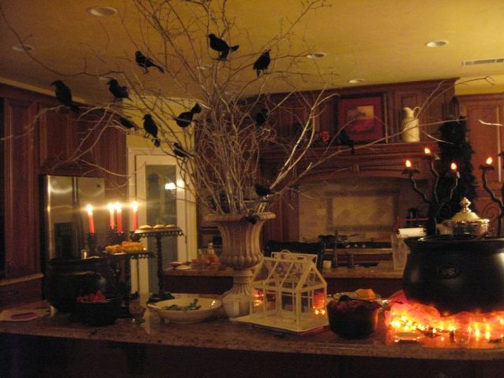 Stunning Halloween Kitchen Decor Ideas 02
