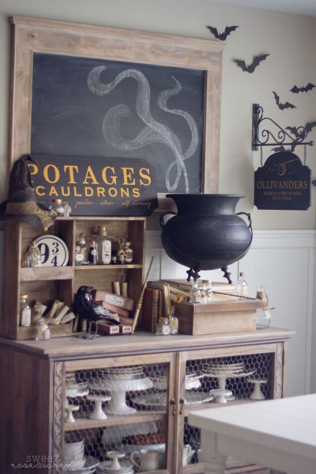 Stunning Halloween Kitchen Decor Ideas 08