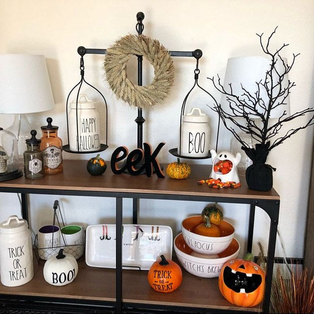 Stunning Halloween Kitchen Decor Ideas 22
