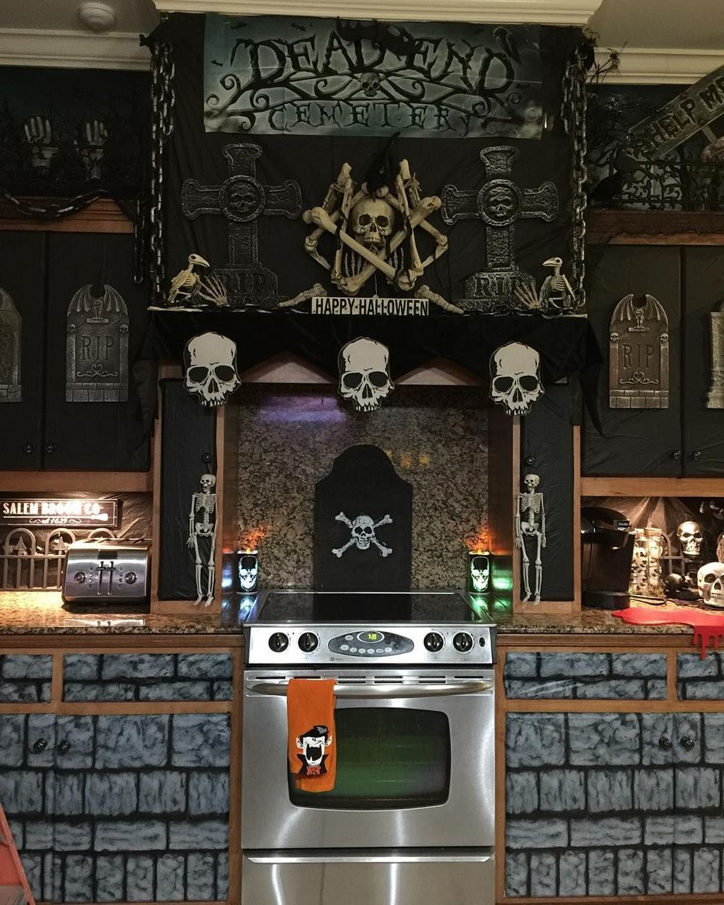 Stunning Halloween Kitchen Decor Ideas 29