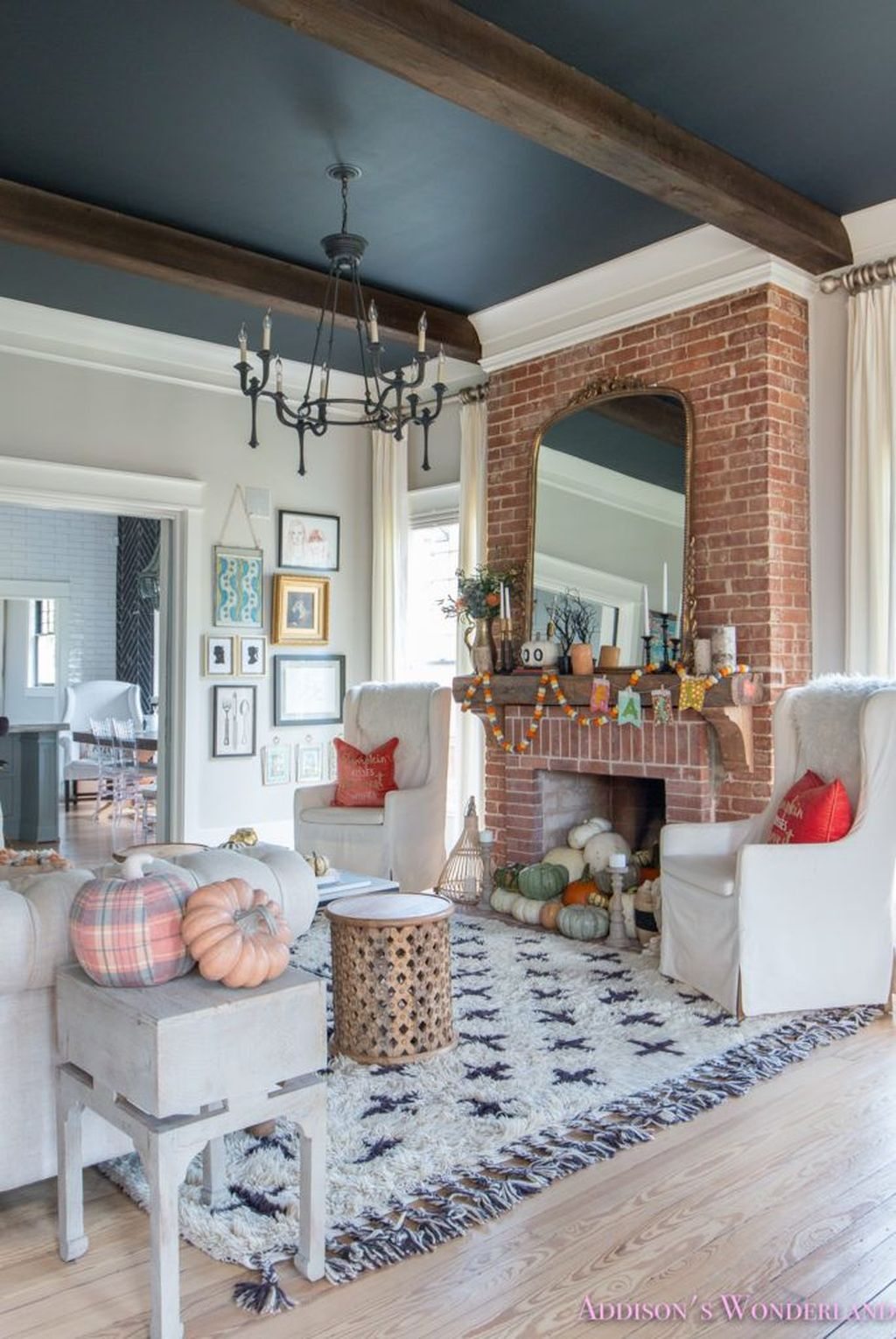 The Best Fall Living Room Decor Ideas Because Autumn Is Coming 19