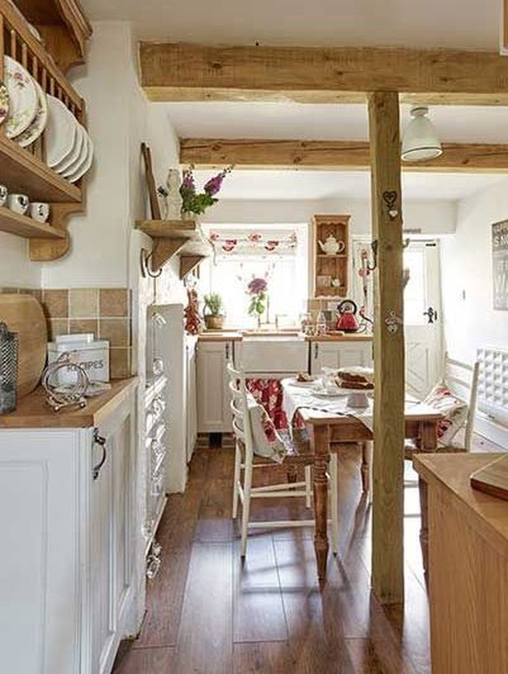 Awesome Cottage Kitchens Design Ideas 10