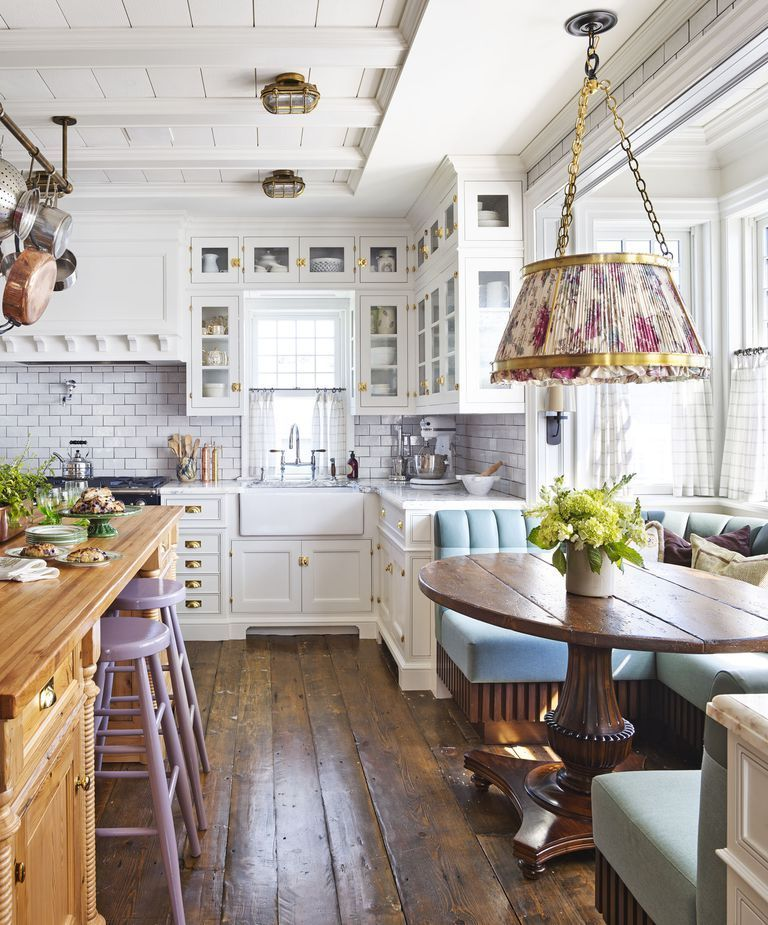 Awesome Cottage Kitchens Design Ideas 17