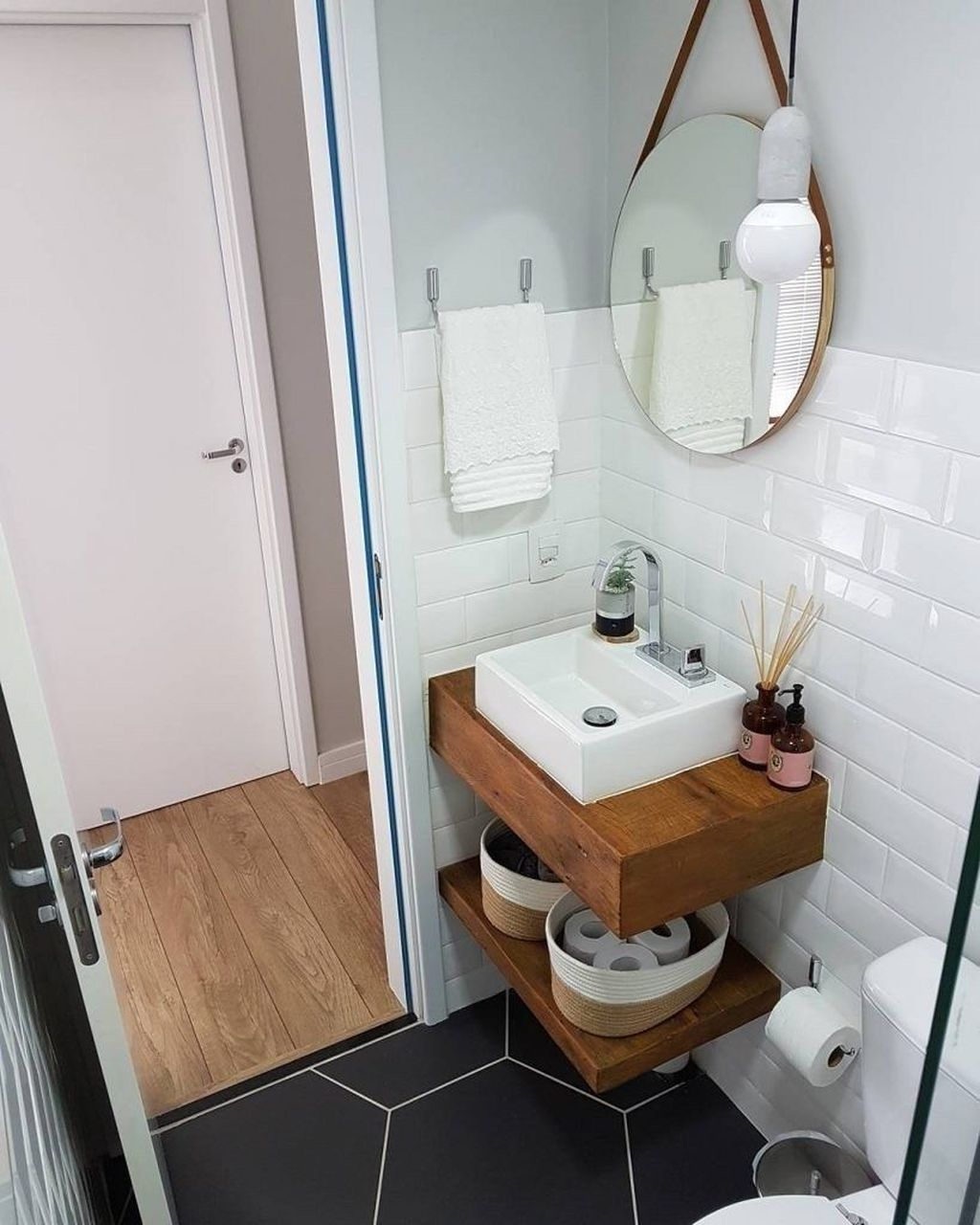 Awesome Small Bathroom Remodel Ideas On A Budget 20