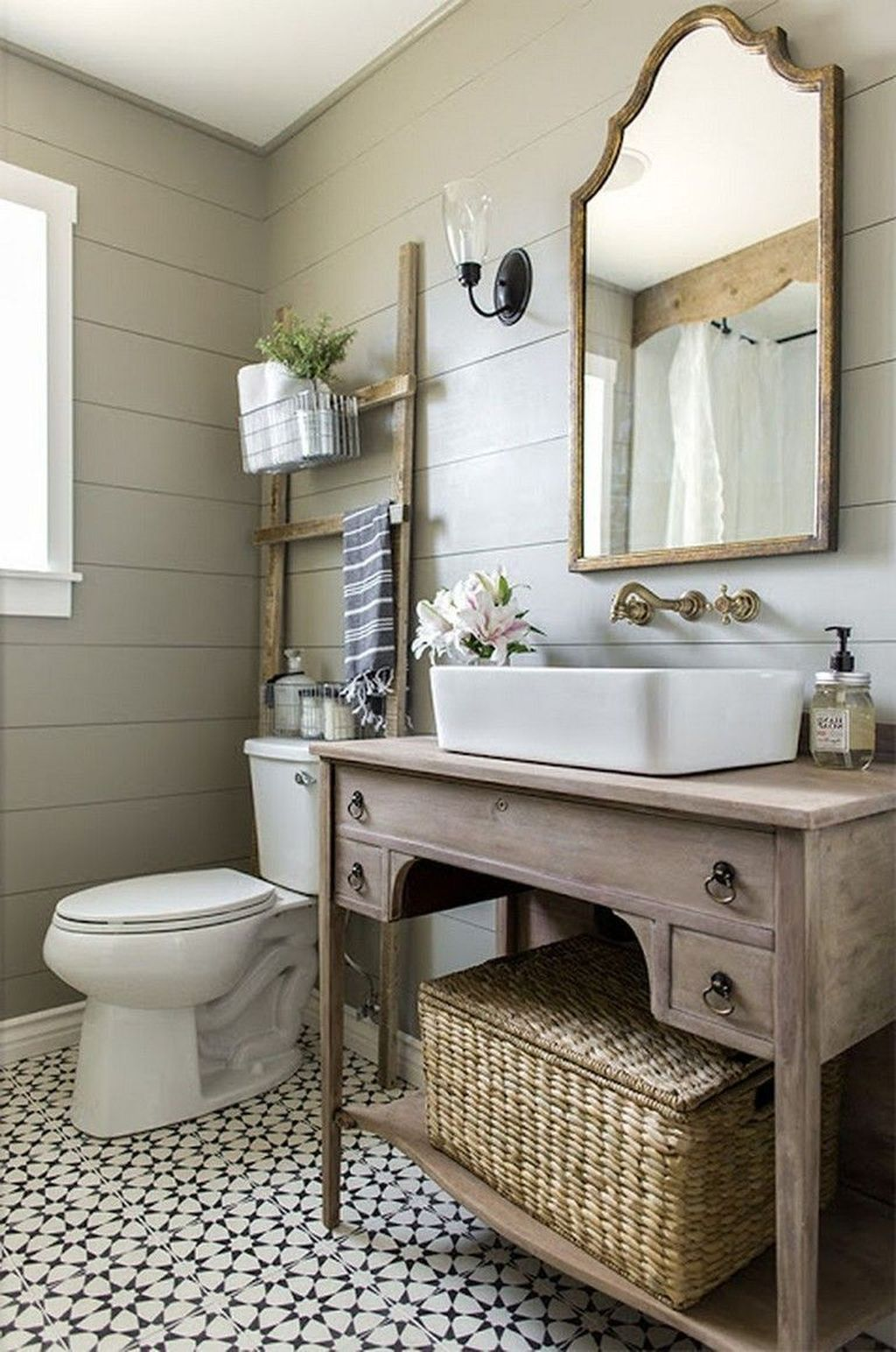 Awesome Small Bathroom Remodel Ideas On A Budget 34