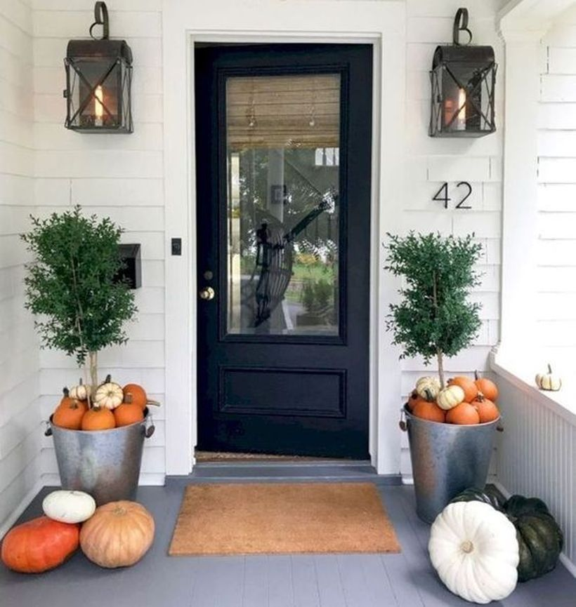 Awesome Thanksgiving Front Door Decor Ideas 08