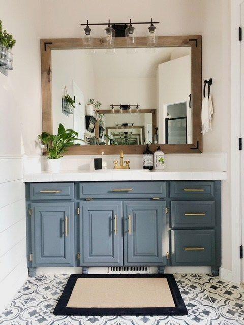 Fabulous Bathroom Cabinets Design Ideas 21