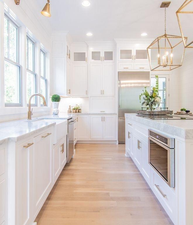 Inspiring White Kitchen Design Ideas With Luxury Accent 05