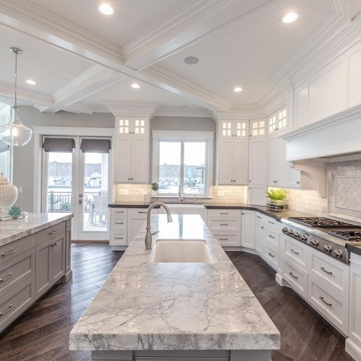 Inspiring White Kitchen Design Ideas With Luxury Accent 11
