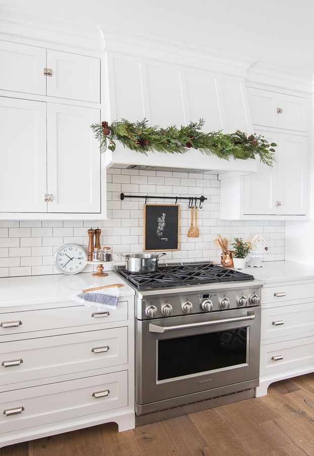 Inspiring White Kitchen Design Ideas With Luxury Accent 23