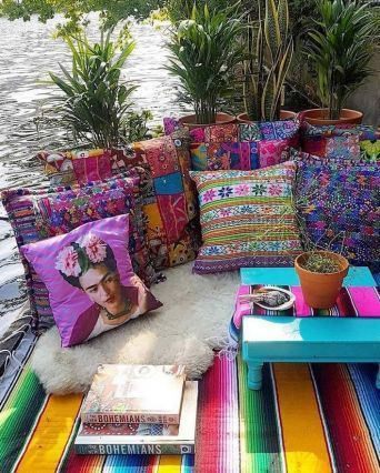 Lovely Bohemian Style Ideas For Your Outdoor Design 12