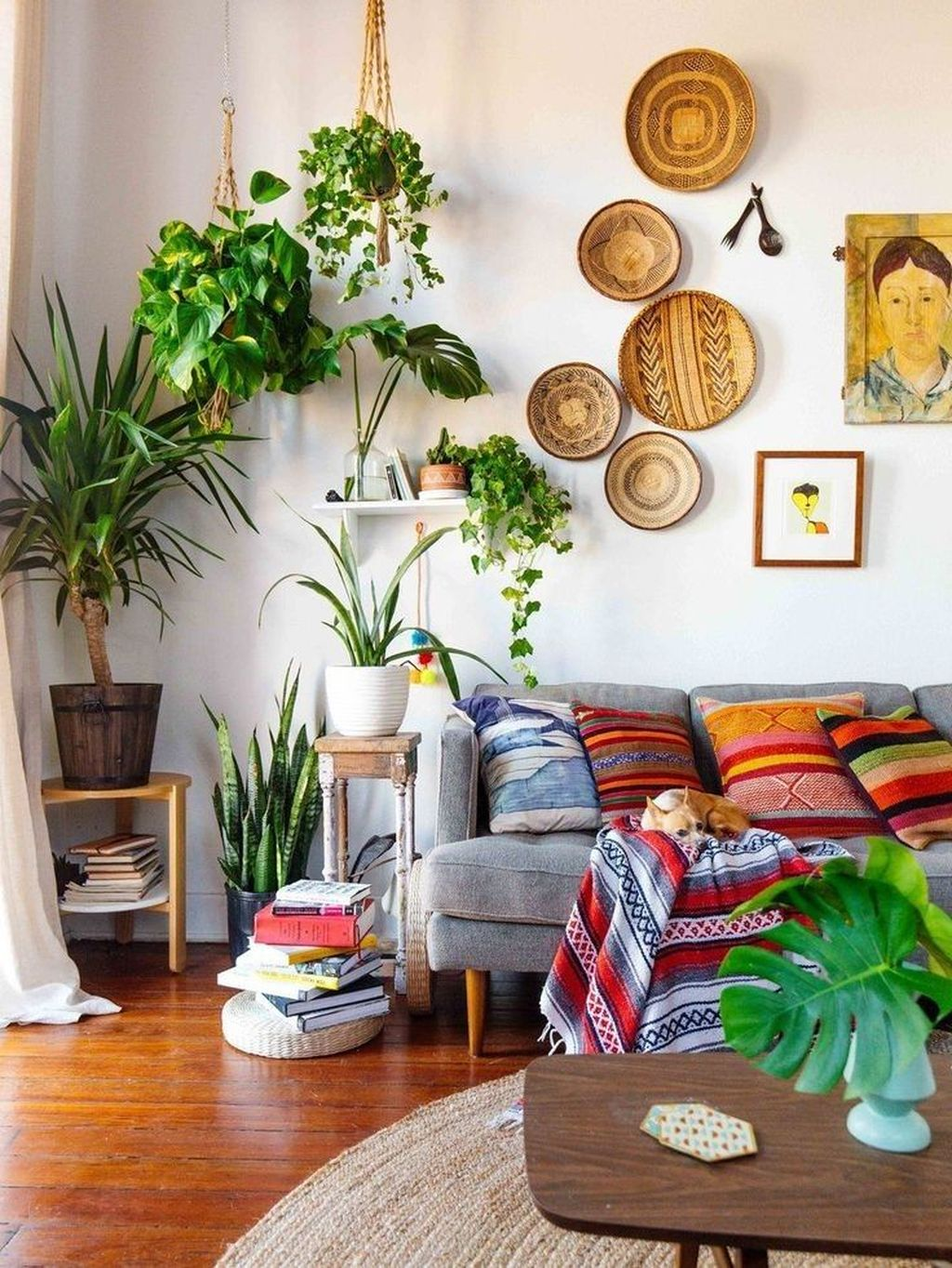 Lovely Living Room Decoration Ideas With Bohemian Style 22