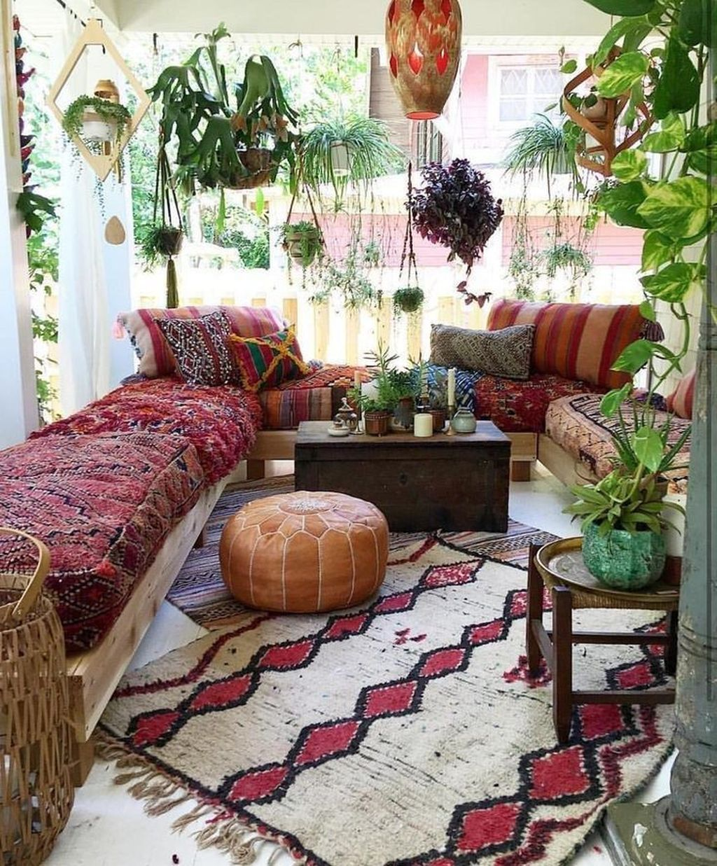 Lovely Living Room Decoration Ideas With Bohemian Style 27