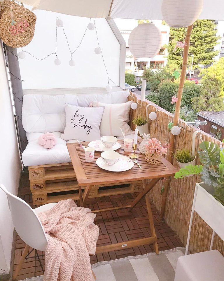 Lovely Small Porch Apartment Balconies Ideas 32