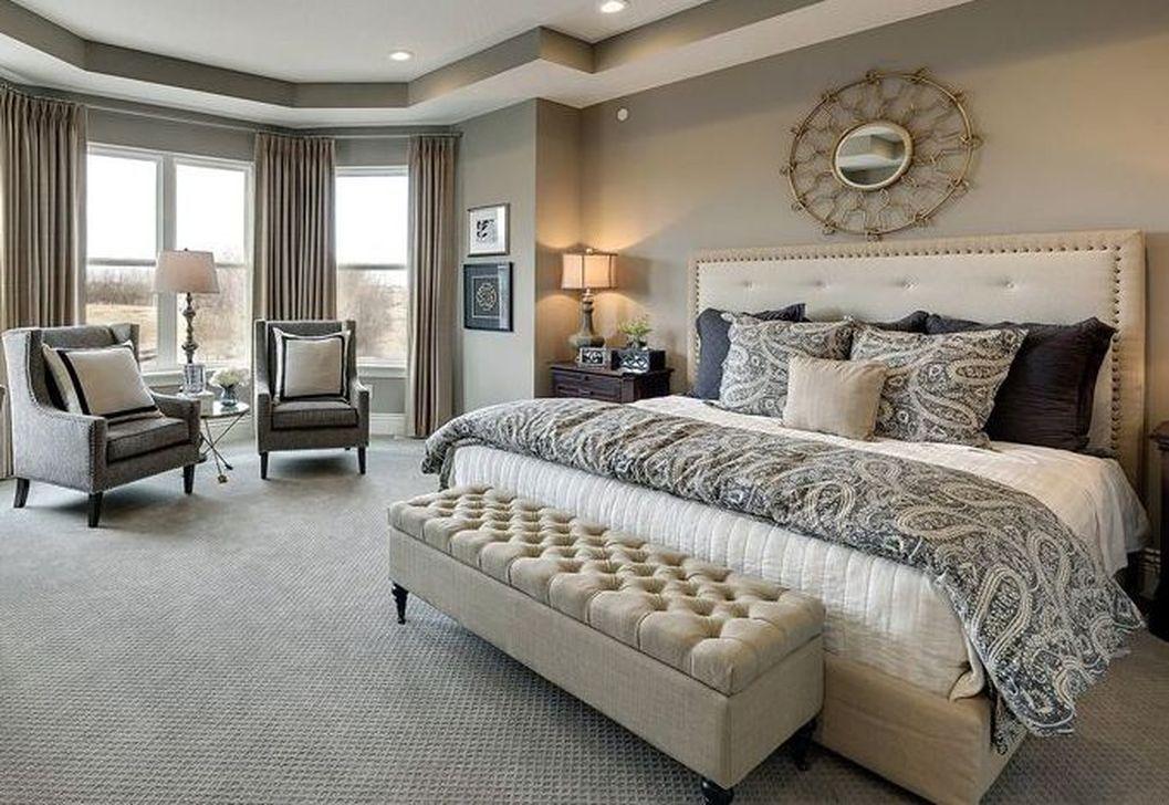 37 Nice Master Bedroom Decoration Ideas - HMDCRTN
