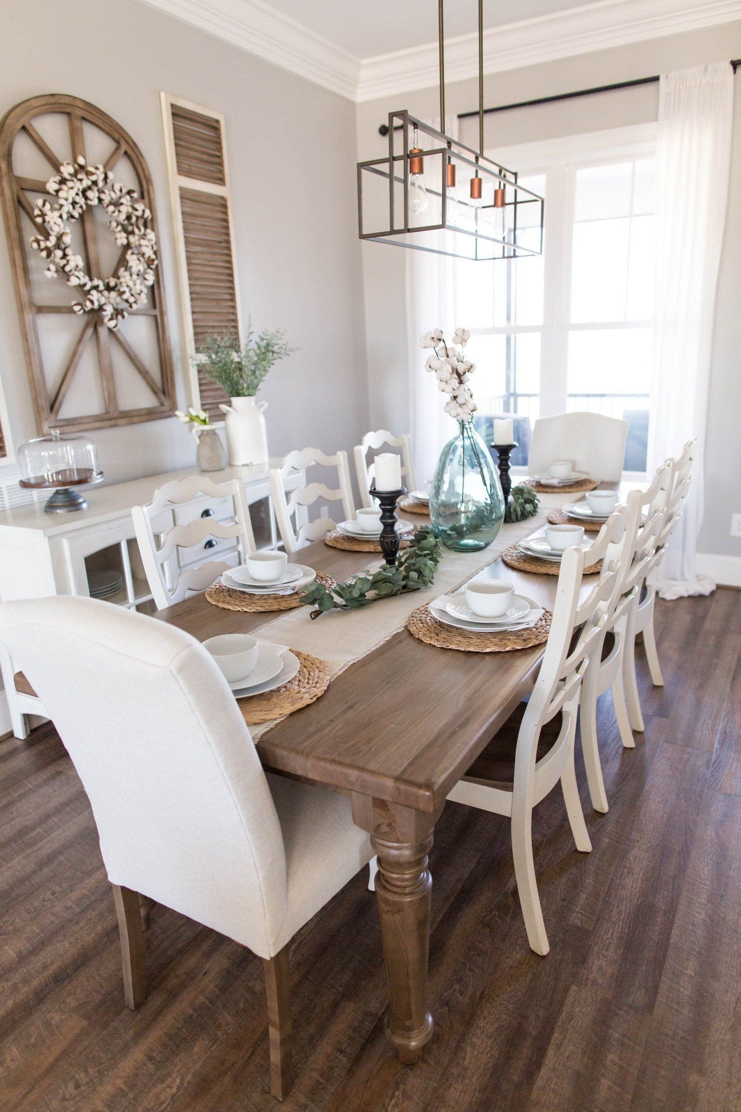 Popular Rustic Farmhouse Style Ideas For Dining Room Decor 20
