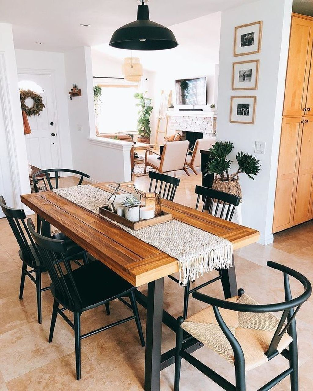 Popular Rustic Farmhouse Style Ideas For Dining Room Decor 21