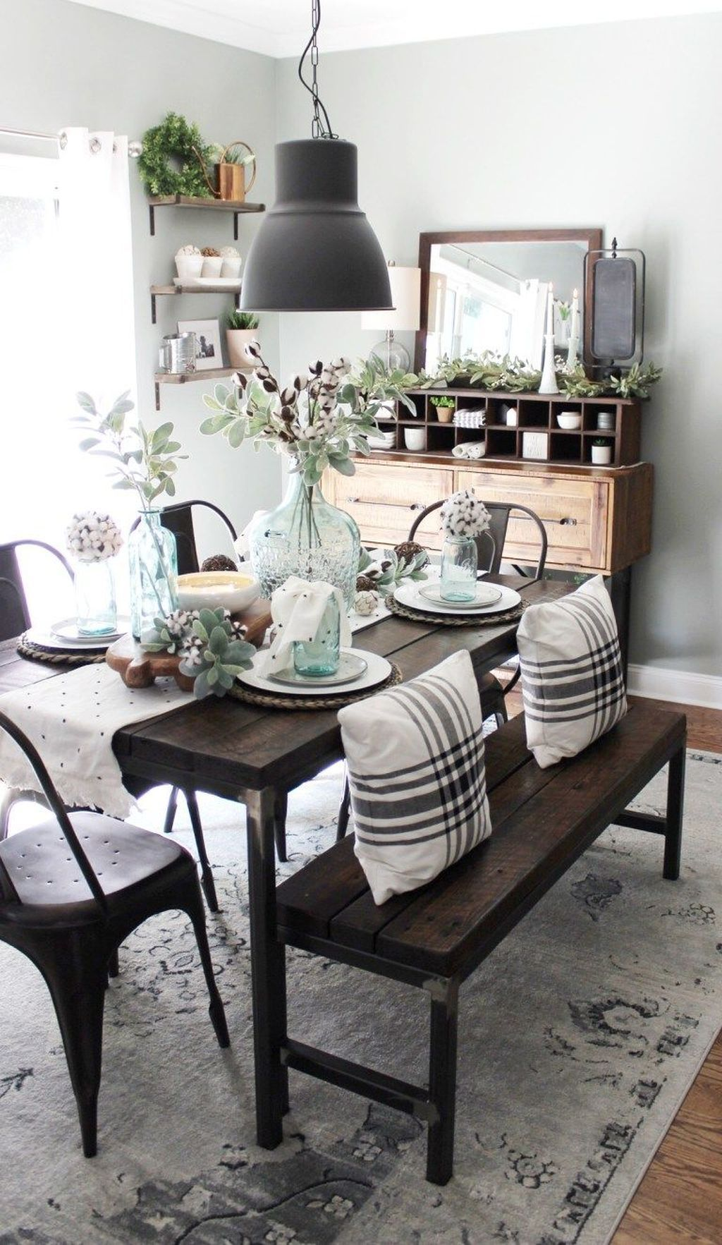 Popular Rustic Farmhouse Style Ideas For Dining Room Decor 26