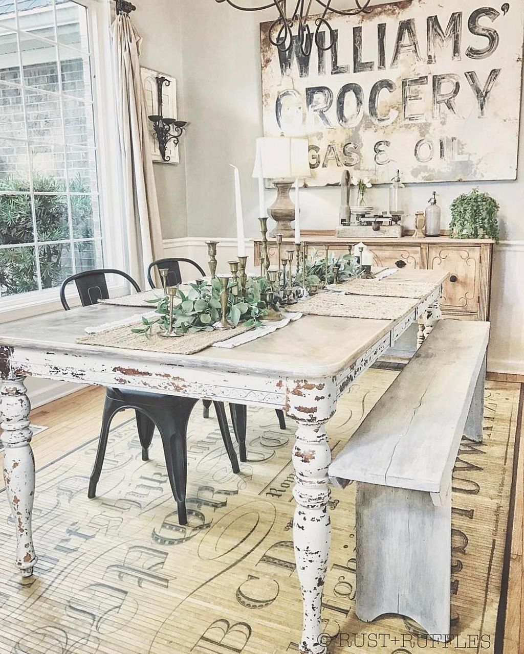 Popular Rustic Farmhouse Style Ideas For Dining Room Decor 38