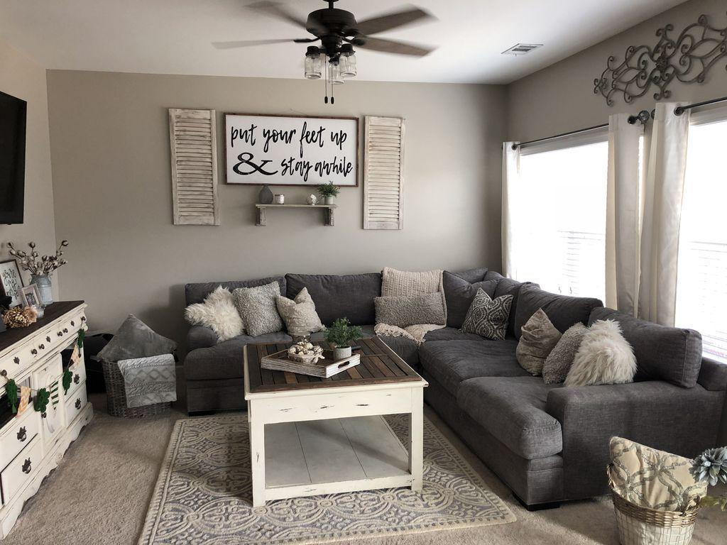 Stunning Living Room Wall Decoration Ideas 04