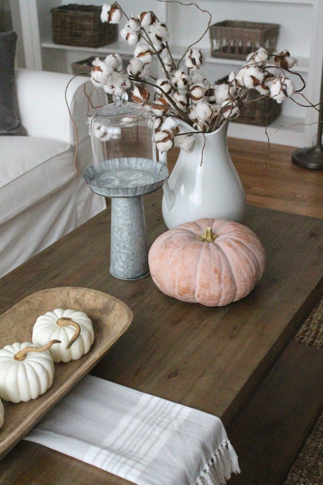 The Best Thanksgiving Living Room Decor Ideas 30