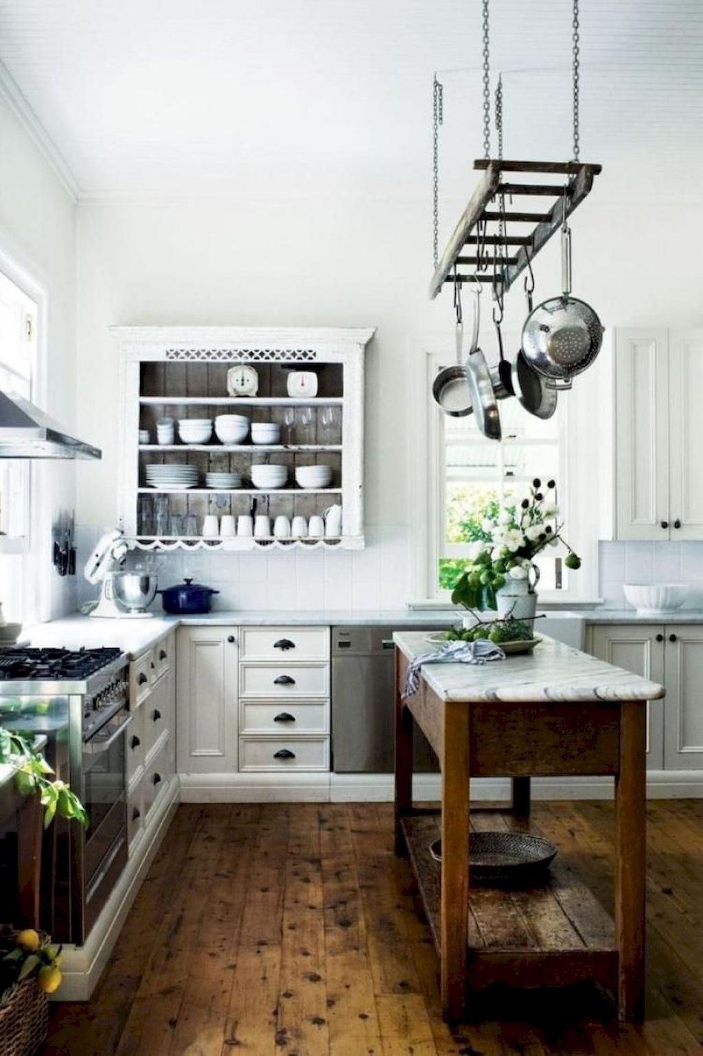 Fabulous French Country Kitchens Design Ideas 17