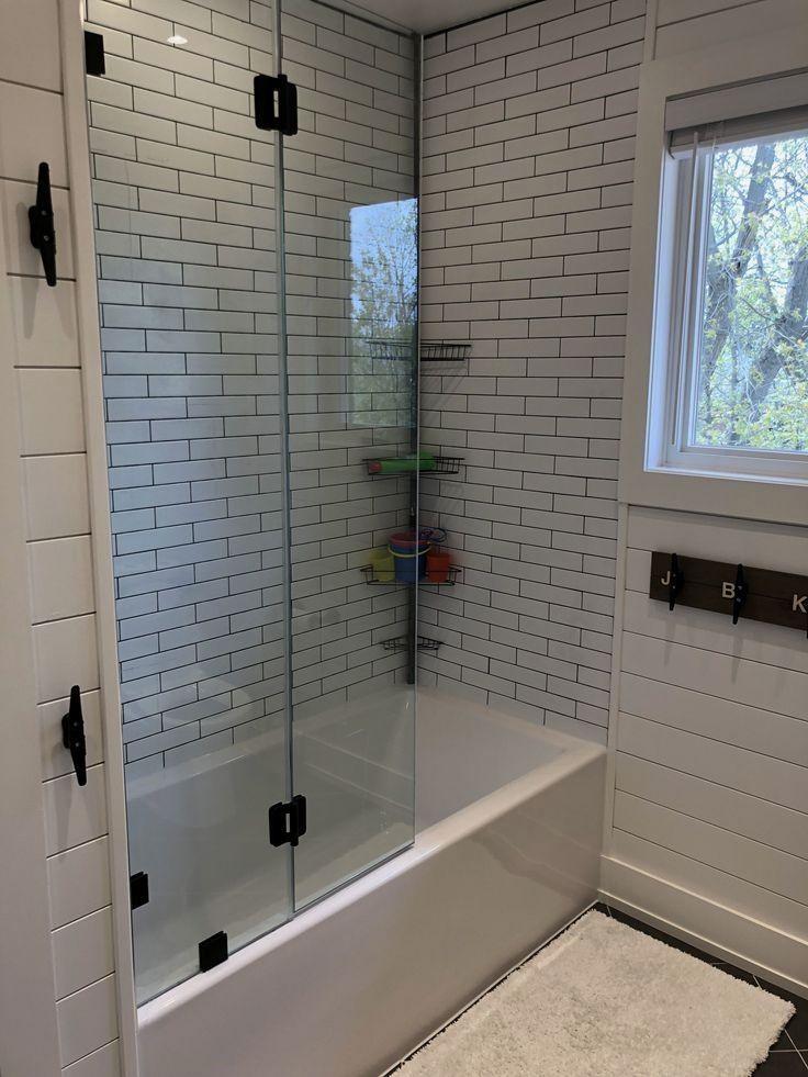 Gorgeous Outstanding Bathrooms Design Ideas 08