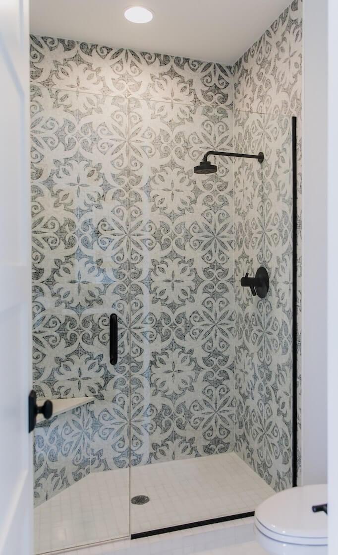 Gorgeous Outstanding Bathrooms Design Ideas 13