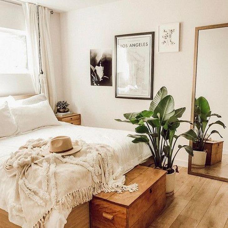 Beautiful White Bedroom Design And Decor Ideas 05