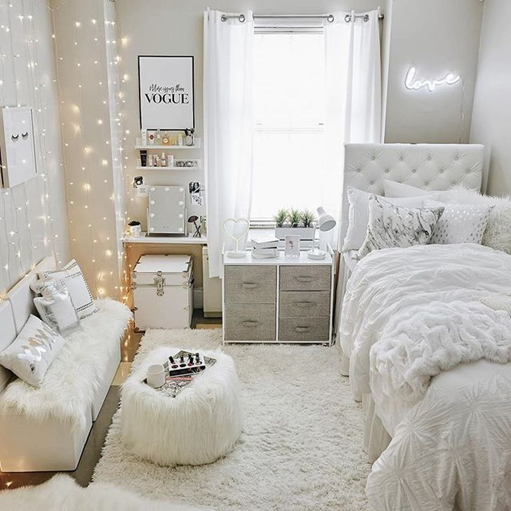 Beautiful White Bedroom Design And Decor Ideas 37