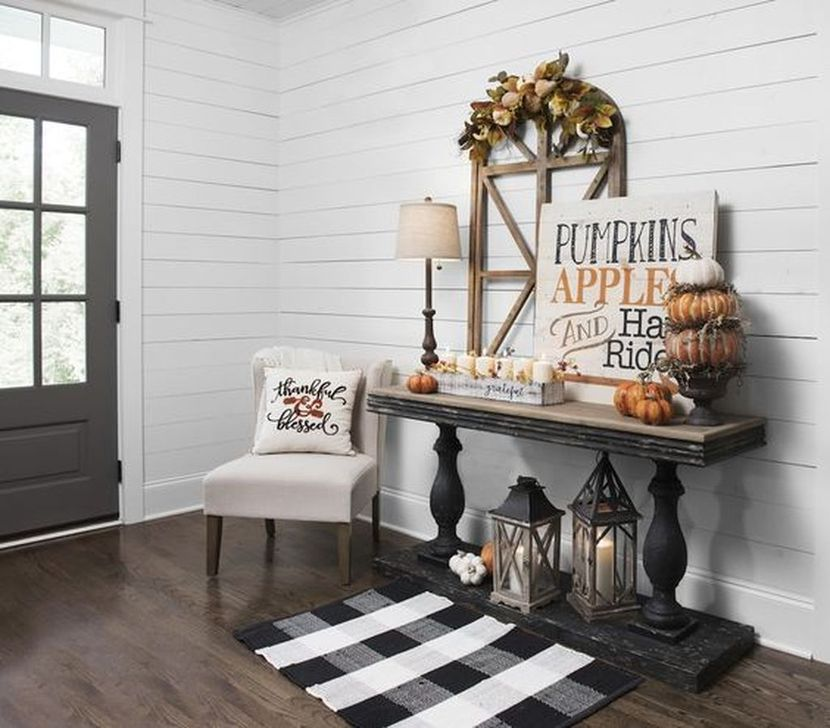 Fabulous Fall Living Room Decor Ideas To Feel Comfortable At Home 24